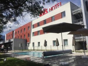 IBIS Saint-Genis-Pouilly Genève - Hotel - Saint-Genis-Pouilly