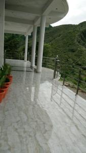 The Kemptyfall Resort, Bed and breakfasts  Mussoorie - big - 11