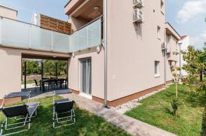 A Picture of Apartments Lapidem