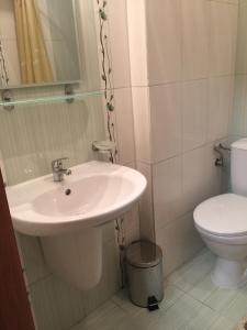 Парус 4, Apartments  Pomorie - big - 6