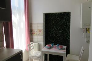 GLAMOROUS 2 ROOM APARTMENT, Апартаменты  Бухарест - big - 5