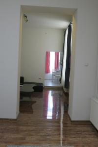 GLAMOROUS 2 ROOM APARTMENT, Апартаменты  Бухарест - big - 10