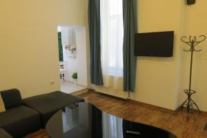 GLAMOROUS 2 ROOM APARTMENT, Апартаменты  Бухарест - big - 15