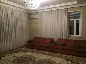 Ev, Дома для отпуска  Баку - big - 7