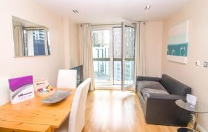 Лондон - Budget Apartments Canary Wharf