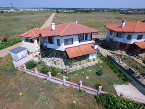 Nelina Guesthouse, Guest houses  Bozhurets - big - 12
