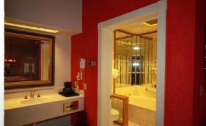 Friedhelm's Bavarian Inn Texas Suite Home, Case vacanze  Fredericksburg - big - 6