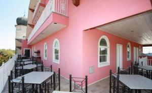 Friedhelm's Bavarian Inn Texas Suite Home, Case vacanze  Fredericksburg - big - 4