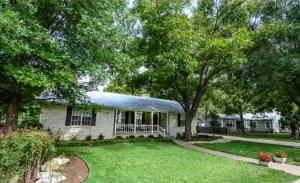 Harvest Haus Home, Дома для отпуска  Fredericksburg - big - 8