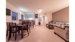 B2522 Airlie Beach, Apartments  Airlie Beach - big - 9