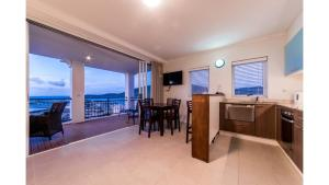 B2522 Airlie Beach, Apartments  Airlie Beach - big - 3