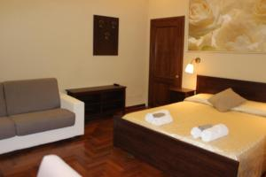 Ronda St. Angelo Suites