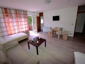 AB Apartment Objekt 14