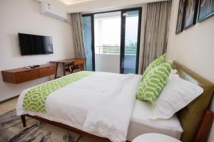 Baorui Railway Boutique Apartment, Hotely  Sanya - big - 14