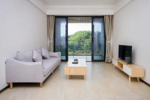 Baorui Railway Boutique Apartment, Hotely  Sanya - big - 42