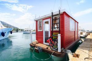 House Boat Sardinia