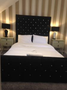 Short & Long Stay Holiday/Business Home with Free Car Parking