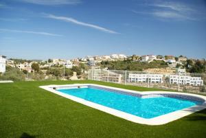 Holiday home Carrer del Puig de Bassegoda, Ferienhäuser  Calafell - big - 2