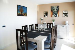 Holiday home Carrer del Puig de Bassegoda, Ferienhäuser  Calafell - big - 12