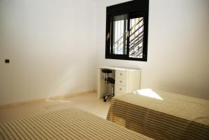 Holiday home Carrer del Puig de Bassegoda, Ferienhäuser  Calafell - big - 23