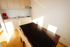 One-Bedroom Apartment in Crikvenica XXV, Апартаменты  Цриквеница - big - 14