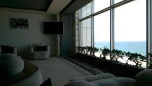 Sea view apartment on Sahil caddesi 207