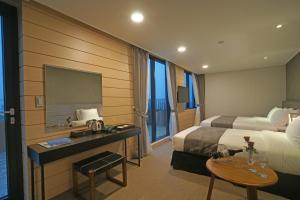 Benikea I-Jin Hotel, Hotel  Jeju - big - 46