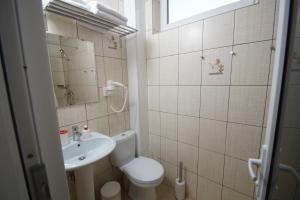 Lotos Hotel, Hotel  Divnomorskoye - big - 24