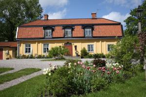 Östa Gård Bed & Breakfast
