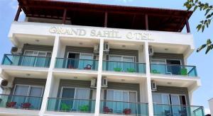 Grand Sahil Butik Otel, Bed & Breakfasts  Gulluk - big - 1