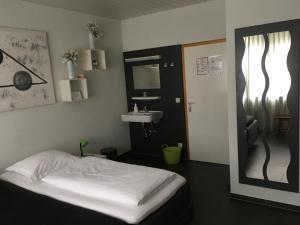 Hotel Brasserie Typisch, Hotely  Kell - big - 17