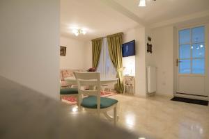 Baroc Apartments Sibiu, Апартаменты  Сибиу - big - 37