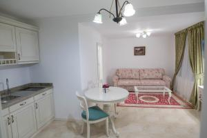 Baroc Apartments Sibiu, Апартаменты  Сибиу - big - 39
