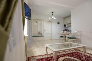 Baroc Apartments Sibiu, Апартаменты  Сибиу - big - 40