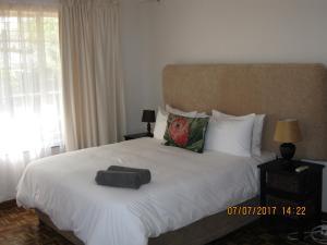 Karob House, Guest houses  Franschhoek - big - 9