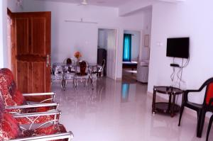 EN Jays Residency (Service Apartments), Апартаменты  Kottayam - big - 12