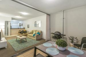 Southbank - Amazing Location - Modern/Cool, Apartmány  Brisbane - big - 8