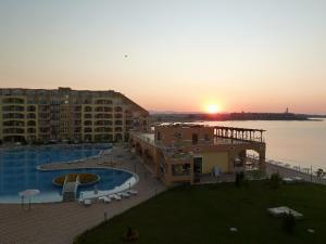 Aheloy Sea and Pool View Apartment, Apartmanok  Aheloj - big - 14