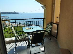 Aheloy Sea and Pool View Apartment, Apartmanok  Aheloj - big - 3