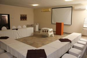 Etuna Guesthouse, Guest houses  Ongwediva - big - 15