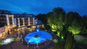 Lotus Therme Hotel & Spa, Resort  Hévíz - big - 49