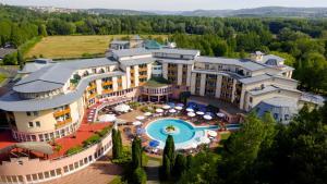 Lotus Therme Hotel & Spa, Resort  Hévíz - big - 50