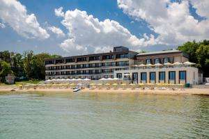 Варна - Nympha Hotel Riviera Holiday Club - All Inclusive