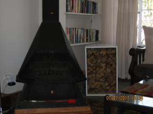 Karob House, Guest houses  Franschhoek - big - 24