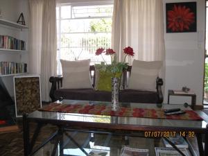 Karob House, Guest houses  Franschhoek - big - 23