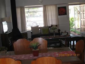 Karob House, Guest houses  Franschhoek - big - 25