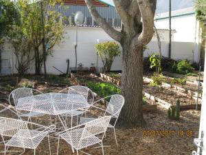 Karob House, Guest houses  Franschhoek - big - 26