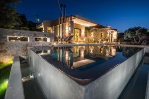 AA Luxury Villas
