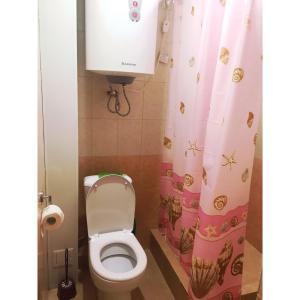 Сдаётся 2-х комнатная комфортабельная квартира, Апартаменты  Гагра - big - 4