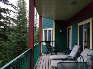 Vacation Homes by The Bulldog- Berker's Suite A, Apartmány  Silver Star - big - 7